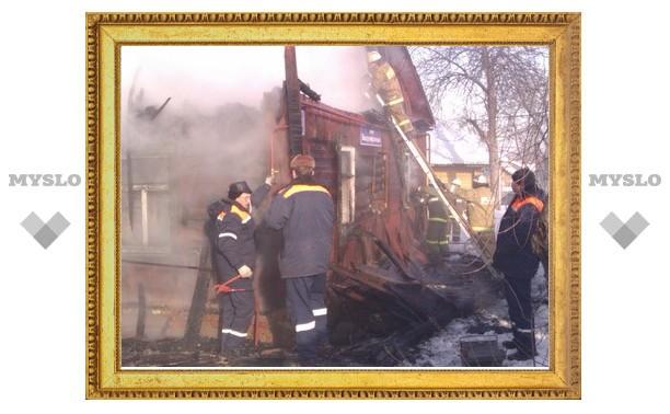 Информация о присутствии детей в горящем доме пока официально не опровергнута