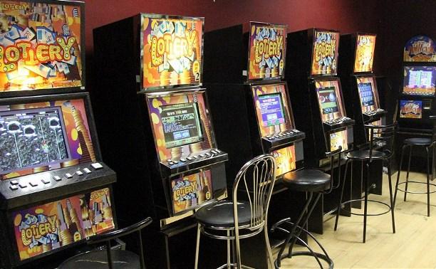 В России хотят штрафовать посетителей подпольных  игровых клубов