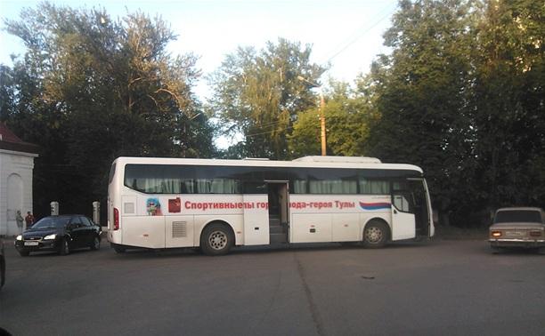 В Туле произошло ДТП с участием автобуса детской спортшколы
