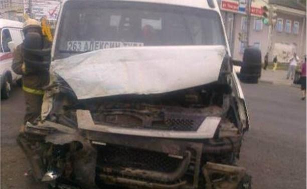 В результате ДТП на Токарева госпитализированы два пассажира маршрутки