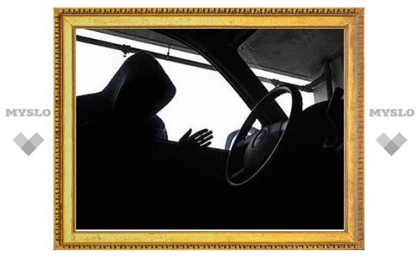 Ясногорский рецидивист угнал автомобиль