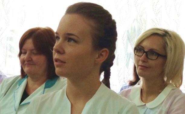 Выпускница Рязанского меда попросила Владимира Груздева сфотографироваться на память
