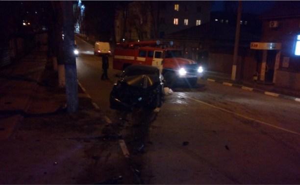 На перекрёстке Гоголевской и Тургеневской столкнулись две легковушки