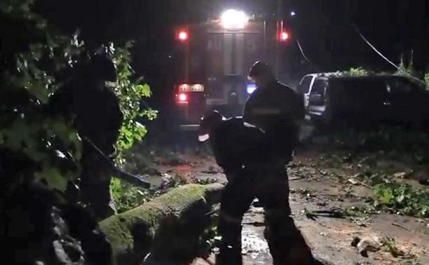 Как устраняли последствия непогоды в Туле: видео