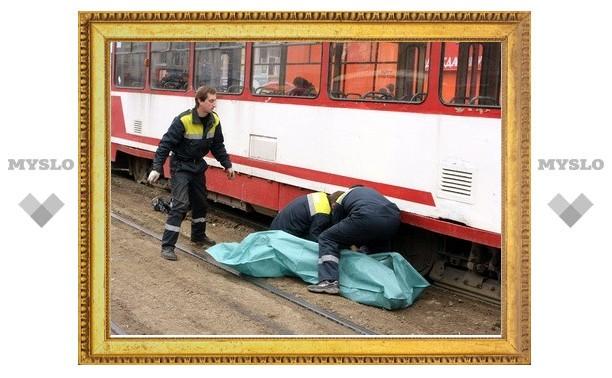 Под колесами трамвая погибла ученица школы №24