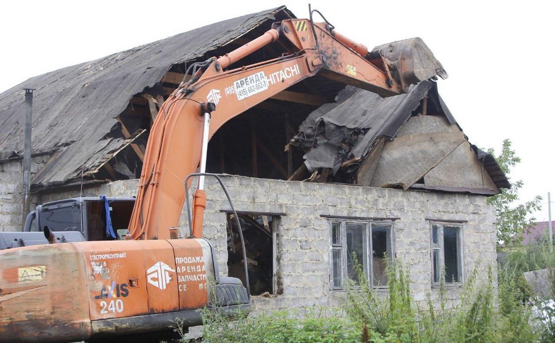 В Плеханово и Хрущево демонтируют незаконные цыганские постройки: фоторепортаж