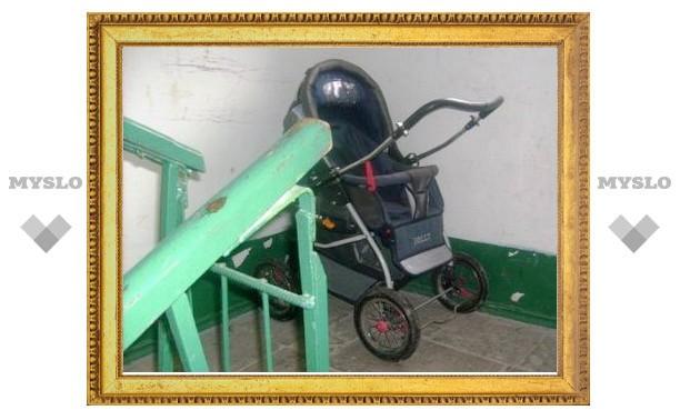 В Туле украли детскую коляску