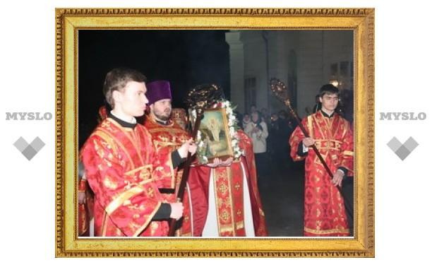 Первые лица Тулы и области отстояли Пасхальную службу во Всехсвятском соборе