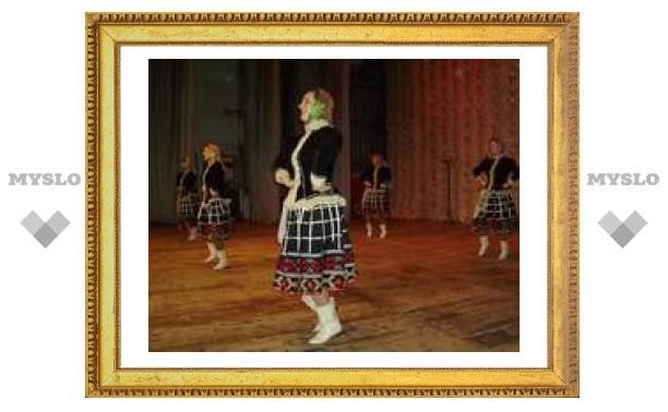 Профсоюзы учат детей танцевать