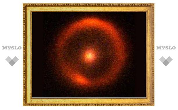 Линза Эйнштейна помогла найти галактику из темной материи