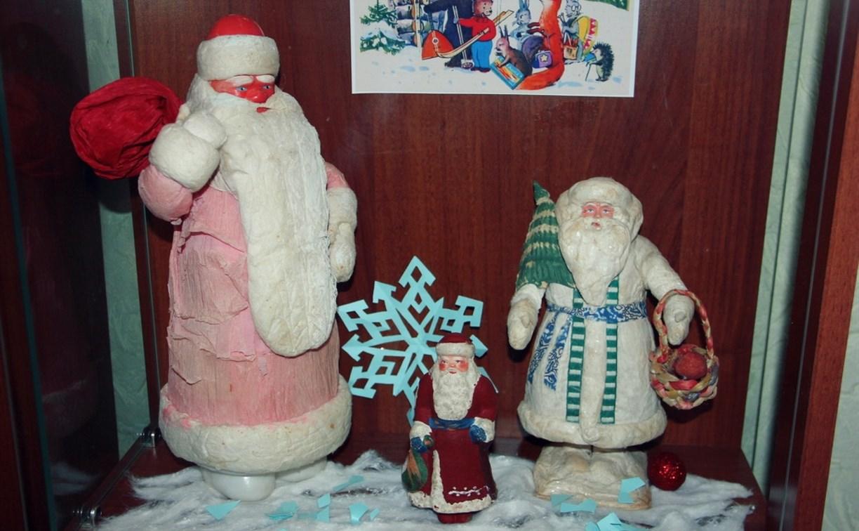 В Центральном парке Тулы открылась выставка новогодних ретро-игрушек