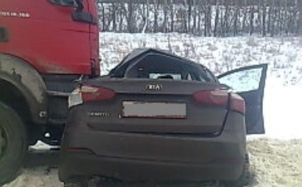 На М4 разбилась легковушка Kia