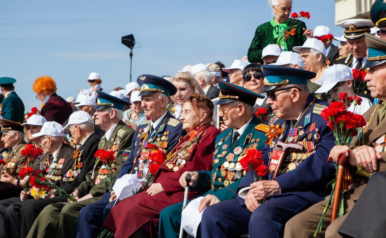 Официальные лица Тульской области поздравляют с Днем Победы