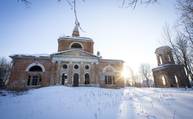 В Веневском районе гибнет старинный храм