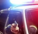 В ходе ночной погони за нарушителем сотрудникам ГИБДД пришлось стрелять по колёсам автомобиля