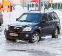 Коммунальная авария на Зеленстрое в Туле: машины вмерзли в лед