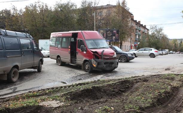 На проспекте Ленина серьезная пробка из-за ДТП