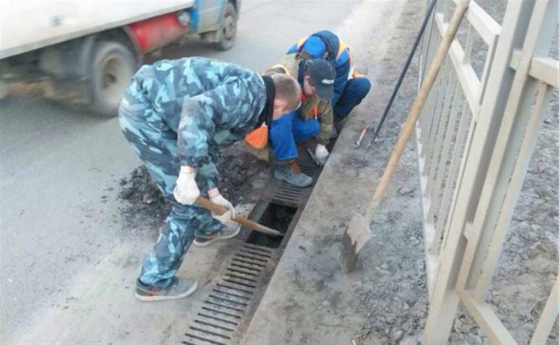 На Орловском шоссе в Туле ремонтируют ливневку