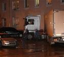 В Криволучье фура сбила пешехода, врезалась в легковушку и протаранила дом