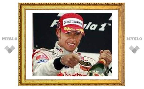Льюис Гамильтон выиграл Гран-при Японии
