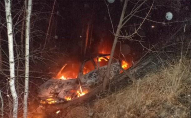 В Алексинском районе «ВАЗ» вылетел в кювет и загорелся