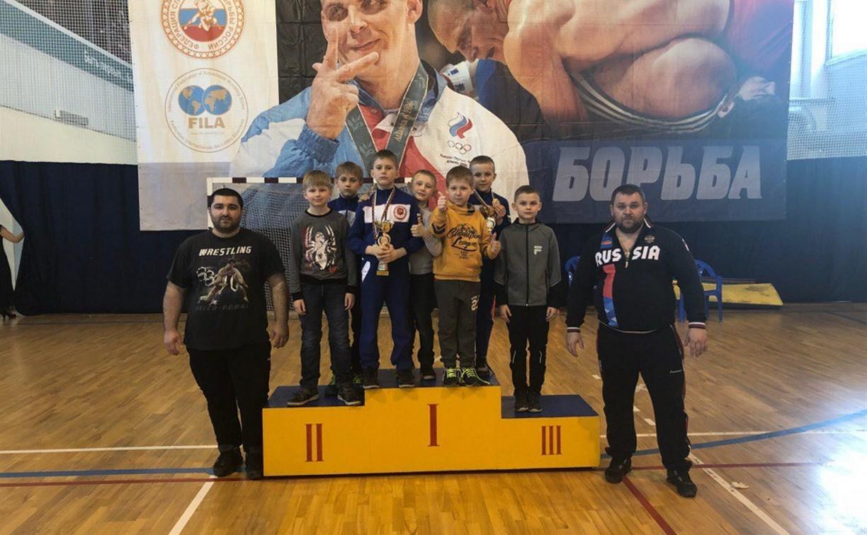 Юные туляки стали призерами турнира по греко-римской борьбе