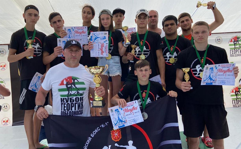 На соревнованиях в Абхазии команда из Тульской области получила Кубок по тайскому боксу