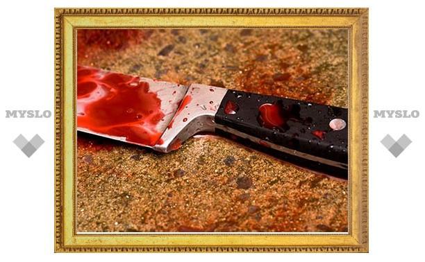 В Новомосковске в подъезде дома зарезали женщину