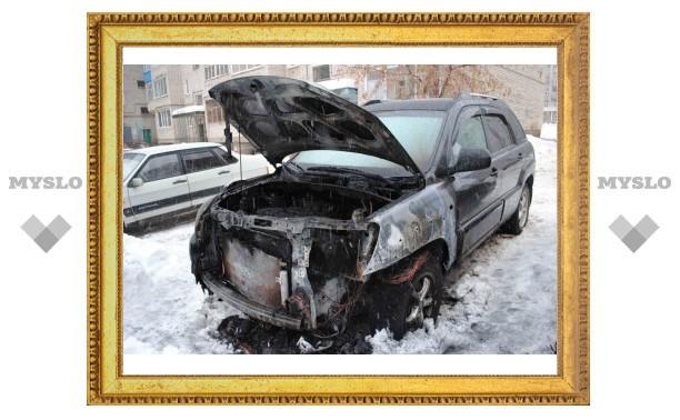 Житель Алексина заявил, что его автомобиль сожгли за критику власти и коммунальщиков