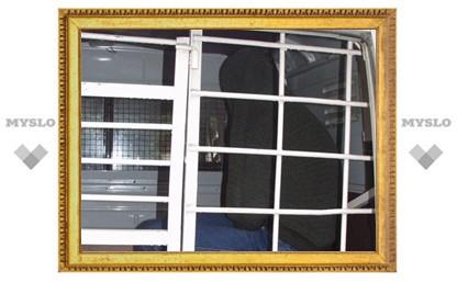 Под Тулой зампрокурора и милиционер задержали грабителя