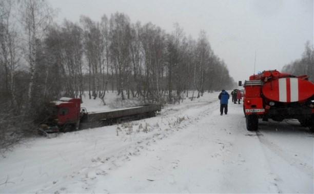 Под Суворовом в ДТП с грузовиком погибли три человека