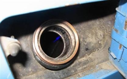 В селе Доброе из бензобака «Газели» слили 40 литров бензина