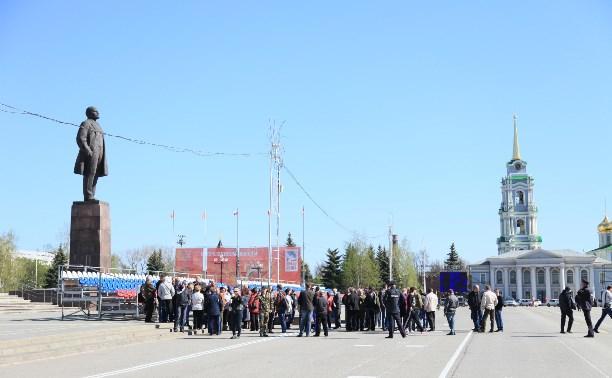 Уволенные сотрудники УК, не получивших лицензии, обратились за помощью к властям