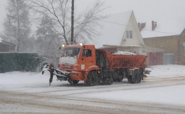 Улицы Тулы расчищают от снега более 90 единиц техники