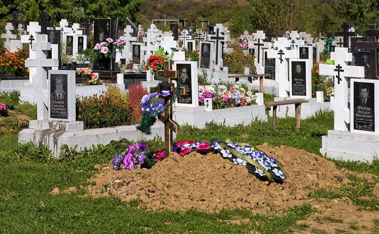 На кладбище в Черни нашли отрубленную человеческую ногу