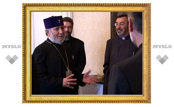 Армянская Церковь учредила Всемирный фонд в поддержку образования клириков
