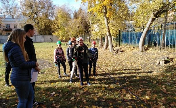 Юные туляки сдали экзамен в «Школе безопасности»: фоторепортаж