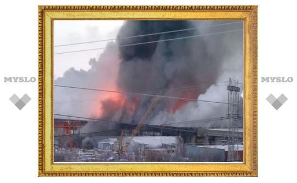 Пожар на мебельном складе в Москве потушен