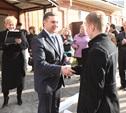Министр ЖКХ Тульской области Андрей Стукалов вручил детям-сиротам ключи от новых квартир