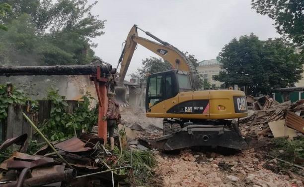В историческом центре Тулы сносят аварийные дома: фоторепортаж