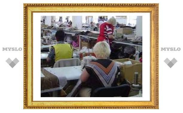 Житель Новомосковска организовал подпольный швейный цех