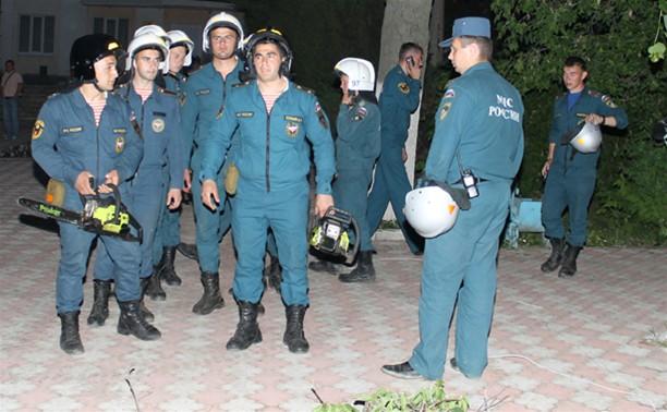 Из-за урагана в Ефремове, в Тульской области введен режим чрезвычайной ситуации