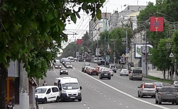 На проспекте столкнулись Citroen и маршрутное такси