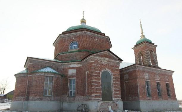 Под Суворовом местные жители сами восстанавливают храм