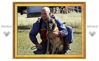Под Тулой соревнуется самая старая собака-спасатель