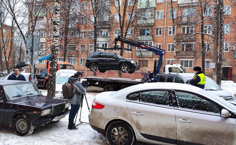 В Туле сотрудники ГИБДД устроили облаву на нарушителей правил парковки