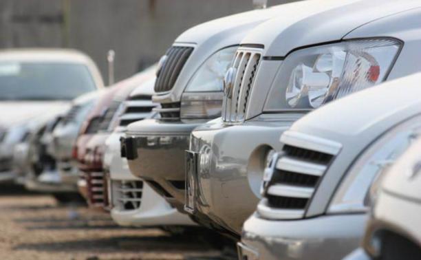 Чиновников пересадят на отечественные служебные автомобили