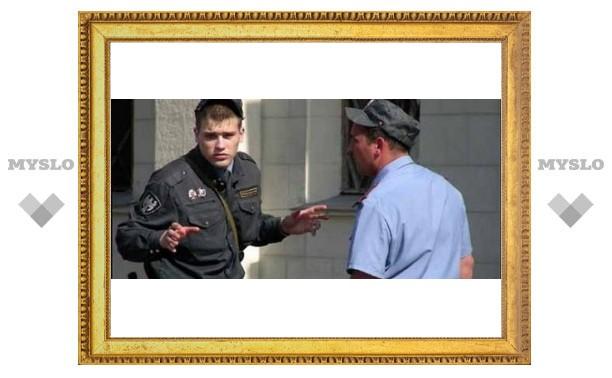 За что под Тулой избили милиционера?