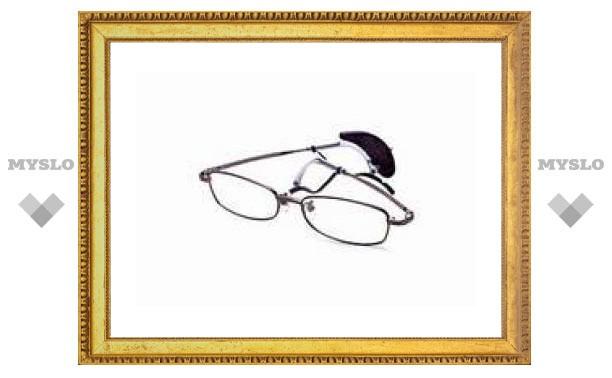 Японцы создали очки со встроенным будильником