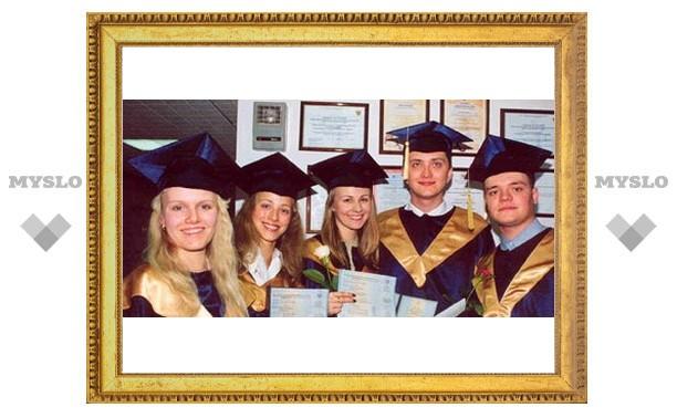 Тульским выпускникам вручат дипломы